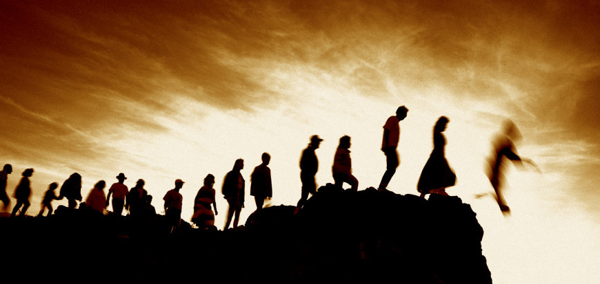people-jumping-off-cliff-e1376095078988-870x413